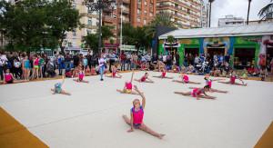 Exhibición de gimnasia rítmica en el II Día del Deporte en la Calle.