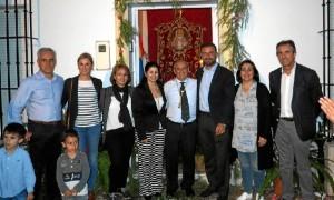 Foto de familia con los mayordomos.