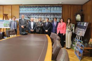 Alonso ha visitado el Puerto de Huelva.