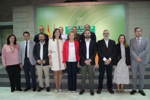 Representantes de los GDR de Huelva con al consejera.
