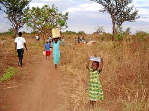 Una entidad que ayuda a niños huérfanos de Uganda.