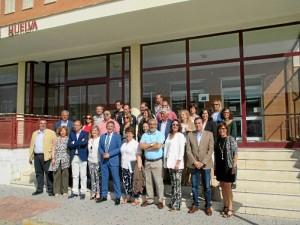 Presentación del equipo directivo de Francisco Ruiz, candidato al Rectorado de la Universidad de Huelva, que ha tenido lugar hoy en la escalinata del acceso a la Biblioteca universitaria del Campus del Carmen.