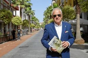 El escritor y cronista Diego Lopa presenta la sexta edición de 'Las Caras de Huelva'.