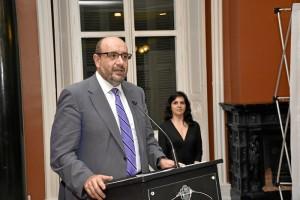 El presidente Nacional de CSIF, Miguel Borra, estudo en HUelva para arropar el acto.