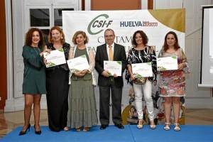 Foto de familia de la entrega de diplomas a los nominados en la categoría de Justicia.