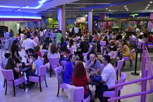 Fueron muchos y muy curiosos los invitados interesados en conocer de primera mano este nuevo espacio inédito en Huelva.