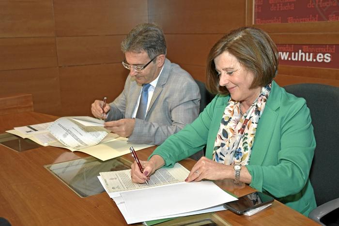 MRC_Universidad firma protocolo colaboracion (2)