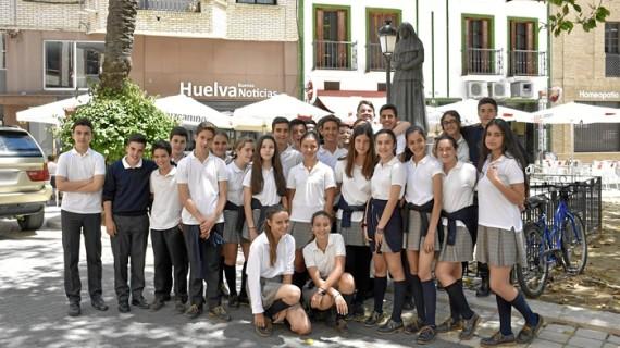 Alumnos del Colegio Santo Ángel visitan la redacción de Huelva Buenas Noticias