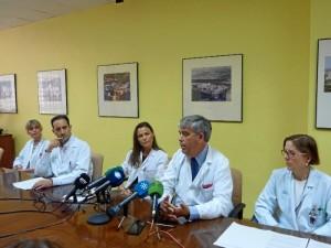 Presentación de la nueva técnica por los responsables de Anatomía Patológica, Cirugía, Oncología y Medina Nuclear en el Hospital Juan Ramón Jiménez.