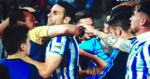 Alegría de los jugadores del Recre una vez finalizado el partido y confirmada la permanencia. / Foto: Pablo Sayago.