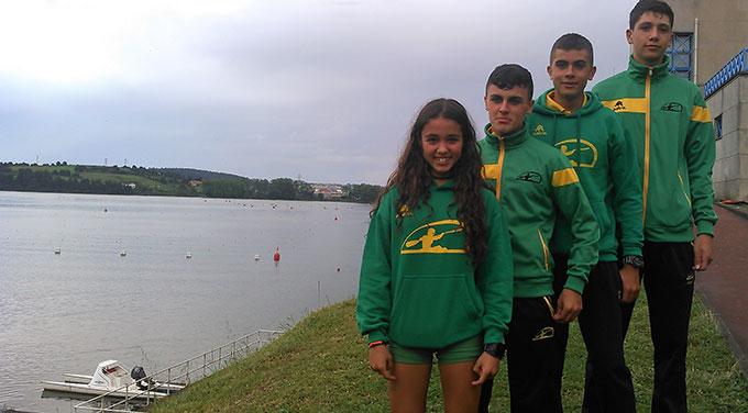 Los cuatro deportistas del Club Piragüismo Tartessos Huelva que participaron en la prueba en Asturias.