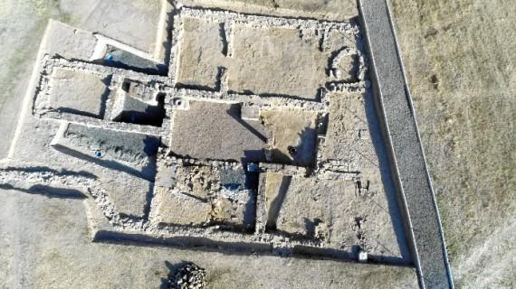 El yacimiento de Arucci Turobriga en Aroche abrirá al público en un mes los restos de una nueva vivienda romana oculta hasta ahora