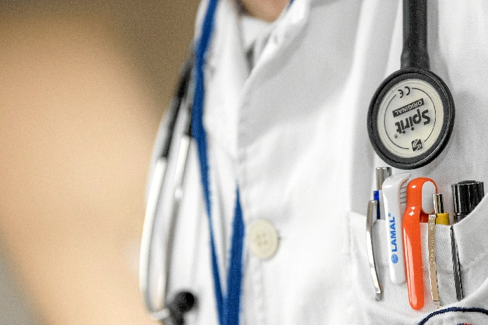 El centro de salud de Bollullos Par del Condado es el segundo de la provincia, tras el de Adoratrices, en la capital, que incorpora la teledermatología.