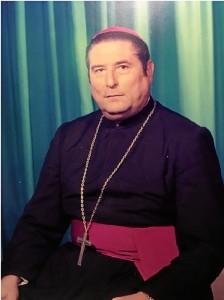 Monseñor Noguer Carmona, Obispo emérito de Huelva.
