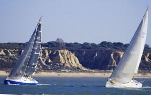 Las condiciones de la costa de Huelva son ideales para la navegación a vela.