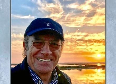 Pedro Rodríguez presenta su libro 'Buenos días, Huelva' en la Caja Rural del Sur