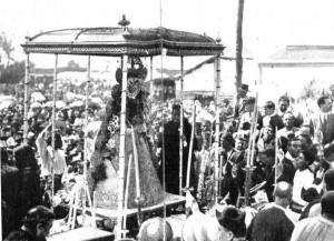 La Virgen en su paso, en la Coronación de 1919.