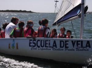 La Escuela de Vela del CDN Punta Umbría desarrolla una intensa labor formativa.