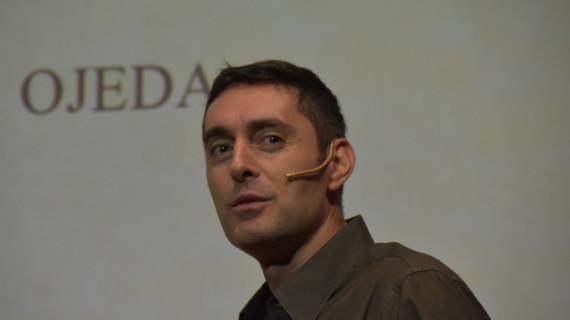 Ángel R. Ojeda, un ingeniero industrial que ayuda a las personas a alcanzar el autoconocimiento