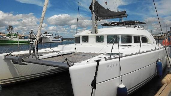 Todo un completo equipo de profesionales del mar conforman la actividad del Centro de Estudios Náuticos El Rompido