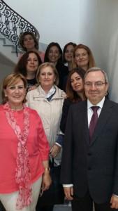 Medina junto a la magistrada y otras compañeras funcionarias de su juzgado.
