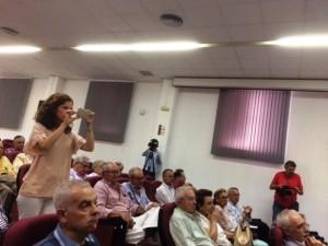 Parte del público asistente a la presentación del libro.