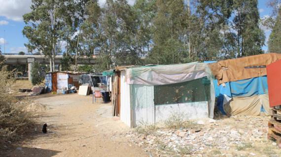 Intensifican las actuaciones del Plan de Intervención Comunitaria en el asentamiento de Las Metas
