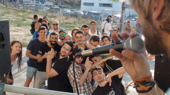 Jóvenes onubenses demuestran su talento en la 'Rap Open Mic' celebrada en LA Ruta