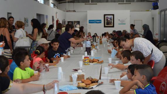 Más de medio centenar de menores participa este verano en el Aula Socioeducativa de Cartaya