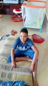 Nafee, niño saharaui que ya disfruta de sus vacaciones en paz junto a Guadalupe.