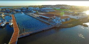 El Terrón y su puerto deportivo, lugares para descansar y relajarse.