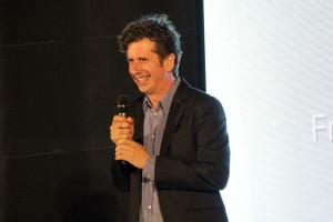 Gabino Diego durante su intervención en la Gala presentando el Premio 'Francisco Elías' a Jaime Chávarri.