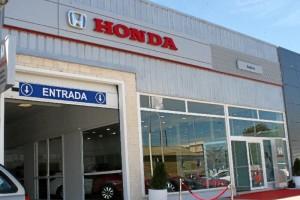 Exterior del concesionario Honda en Huelva, Sodive, situado en la Avda. de las Fuerzas Armadas. / Foto: L.C.