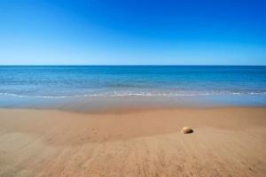 Las excelentes playas de Huelva son uno de los principales reclamos de la provincia en verano. / En la imagen, playa de El Rompido.