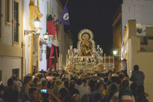 Procesión extraordinaria de la Virgen de las Angustias.