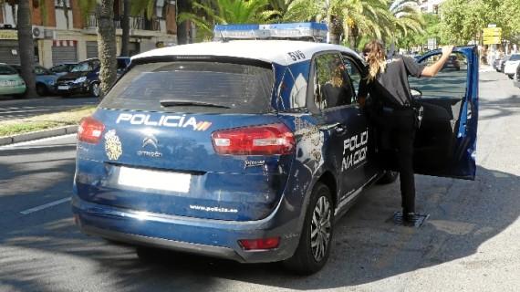Detenidas tres personas en Huelva que formaban parte de una banda encargada del robo y modificación de vehículos para su venta