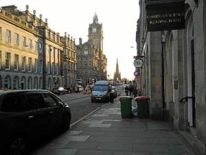 Princes Street, una de las calles principales de Edimburgo.