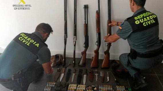 Sorprendidos cuatro varones que se disponían a cazar furtivamente en Arroyomolinos de León