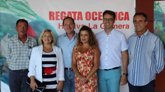 Stands del Patronato Provincial de Turismo y La Gomera abren sus puertas a los visitantes días antes de la regata