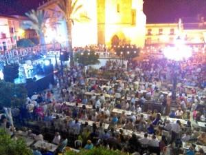 La plaza de España se llena de ambiente con la celebración de la Feria. Foto de archivo.