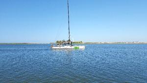 El barco ha partido rumbo al Puerto Deportivo de Mazagón, e intentará batir el récord de la Regata Oceánica.