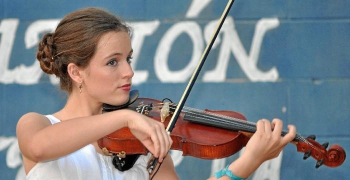 Clara Morillo, del Conservatorio de Huelva al Superior de Aragón tras ganar el Premio Extraordinario de Música