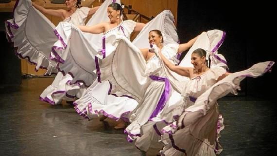 Villablanca presenta la programación de su 39 Festival de Danzas y sus fiestas patronales