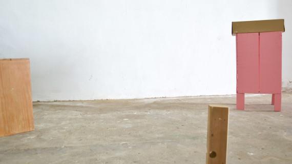 El artista bollullero Pablo Merchante pone en marcha una nueva exposición bajo el título de 'Estamos muy solos'