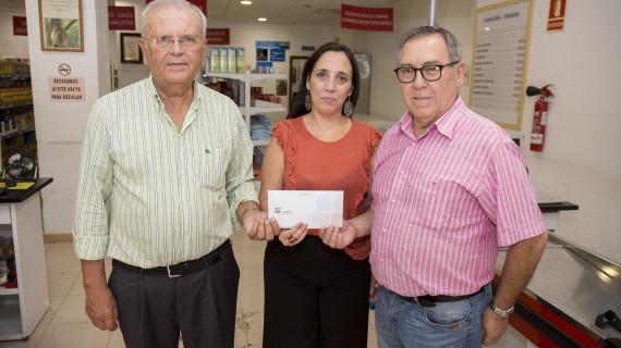 Los mayores del Lazareto recaudan 500 euros para entregar material escolar a las familias en situación de vulnerabilidad