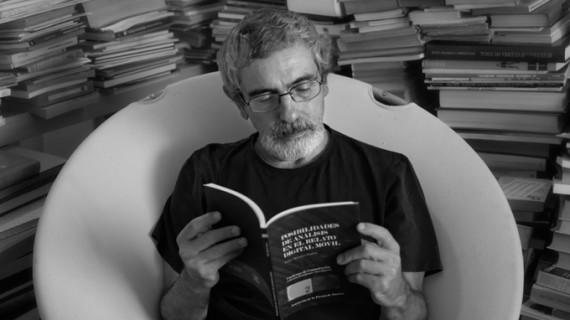Félix Morales rescata el onubense 'Fantasma de la glorieta', una de las revistas literarias más importantes de España desde los años 80