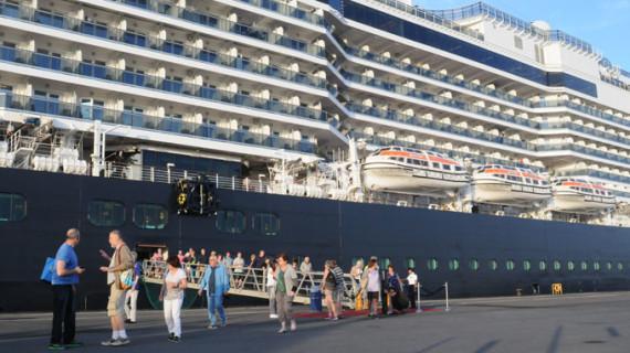El buque de cruceros Koningsdam vuelve el próximo domingo a Huelva con más de 2.600 pasajeros