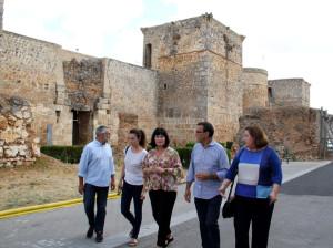 Visita al castillo y murallas de Niebla.