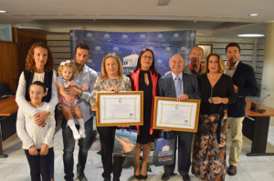 Entrega del premio a Taberna El Peñiscón y Real Club Marítimo y Tenis.