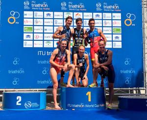 Los primeros clasificados en la prueba de la Copa del Mundo fe triatlón celebrada en Huelva. / Foto: @TRIATLONSP.